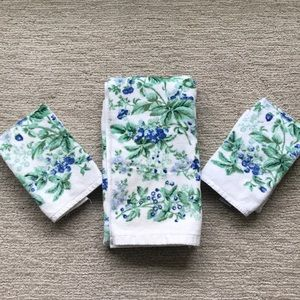 Laura Ashley bath and hand towels